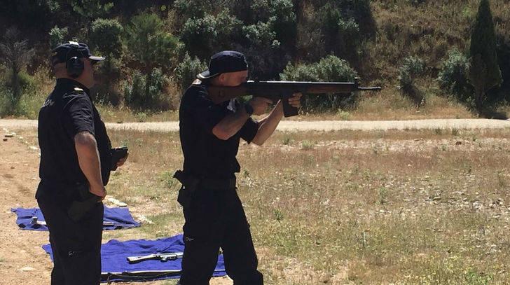 La Policía Nacional realiza un curso de actualización en el manejo de armas largas en Uceda