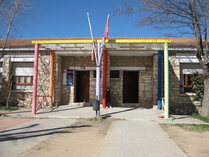 Guarinos exige a Page soluciones para el colegio de Iriépal