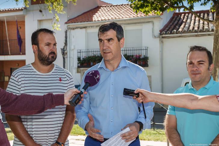 Román presenta en Usanos el proyecto de renovación de la red de abastecimiento de agua en la pedanía