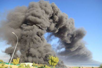 Ecologistas en Acción pide transparencia sobre la posible contaminación provocada por el incendio de Chiloeches