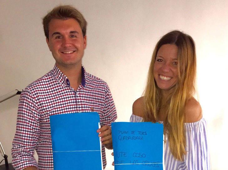 Coso de Las Cruces entrega más de un millar de firmas a la Fundación Toro de Lidia