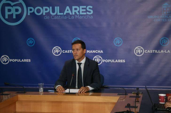 Velázquez denuncia que Page engaña sistemáticamente a los profesionales de la Educación de Castilla-La Mancha