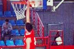 El azudense Aaron Sobrinos seguirá un año más en el Isover Basket Azuqueca