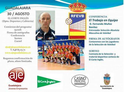 Conferencia del seleccionador nacional de voleibol, Fernando Muñoz