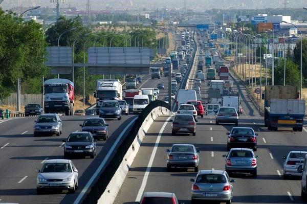 Alrededor de 200.000 vehículos se desplazarán por las carreteras de Guadalajara desde este viernes en la operación salida de agosto