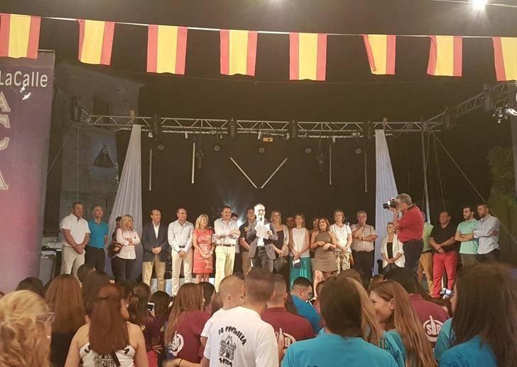 El presidente de la Diputación asiste al pregón de Pedro Solís que da inicio a las fiestas de Yebra