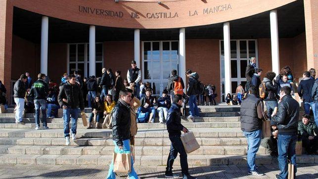"""El PP exige a Page que invierta 140 millones de euros en la UCLM """"para no asfixiar la institución universitaria"""""""