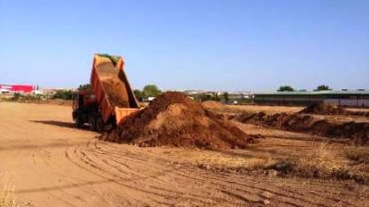 Agricultores de Chiloeches denuncian que se ha tirado tierra del incendio en sus parcelas