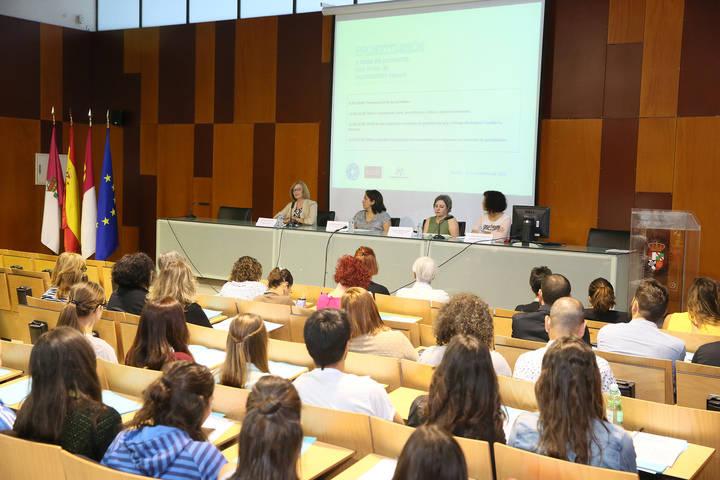 La Junta apuesta por el trabajo conjunto de instituciones en la lucha contra la trata y la violación de derechos humanos