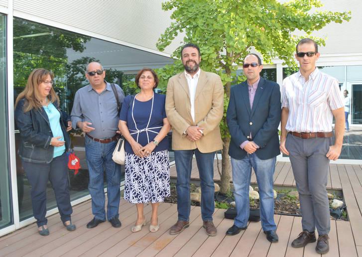 Responsables municipales y de la ONCE. Fotografía: Álvaro Díaz Villamil/ Ayuntamiento de Azuqueca de Henares