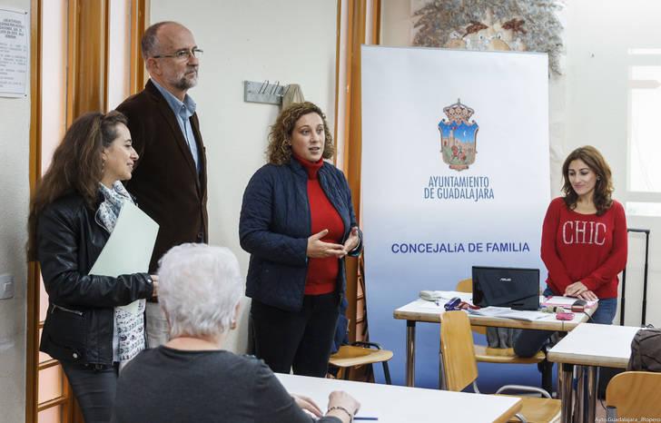 Verónica Renales asistió este lunes al inicio de las actividades del programa Envejecimiento Activo