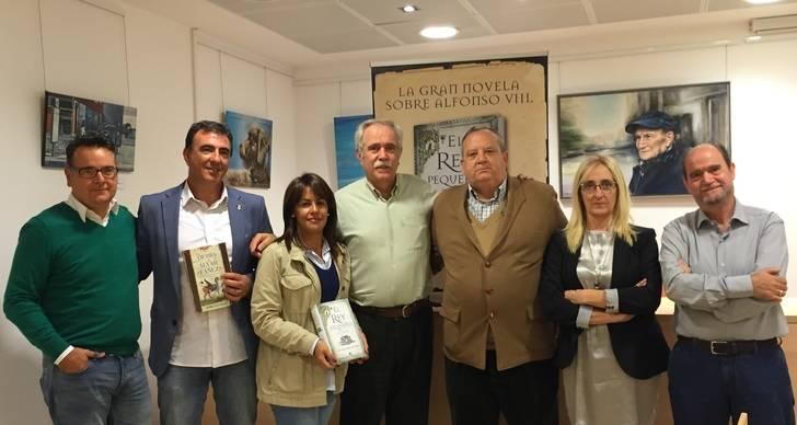 El Casar acoge la presentación de 'El Rey pequeño', la novela de Pérez Henares