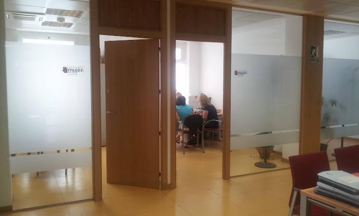 El PP de Alovera apuesta por la gestión municipal del Centro de la Mujer