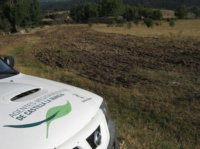 """CCOO denuncia que Agricultura """"ha dejado sin cámaras de fotos a los agentes medioambientales de Guadalajara"""""""