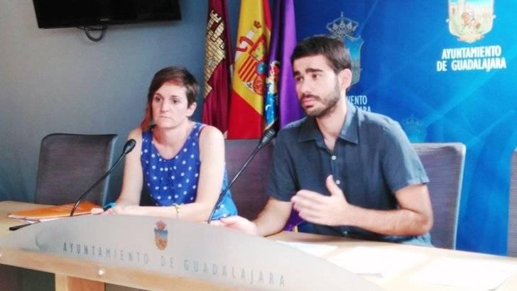El concejal de Ahora Guadalajara explica por qué gana 50.000 euros al año