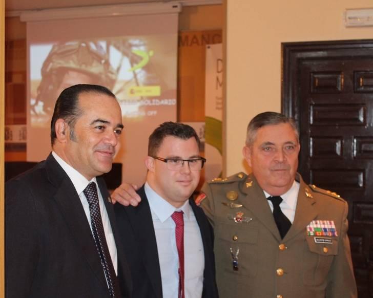 Gregorio destaca la sensibilización y el trabajo de la Fundación Down y el Ministerio de Defensa en el Calendario Solidario 2017