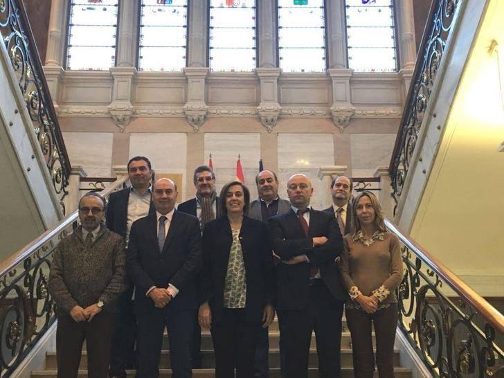Latre se reúne con la presidenta de la Diputación de Palencia para intercambiar experiencias de gestión