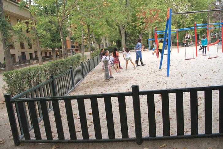 Sigüenza mejora el área de juegos infantiles del Parque de la Alameda