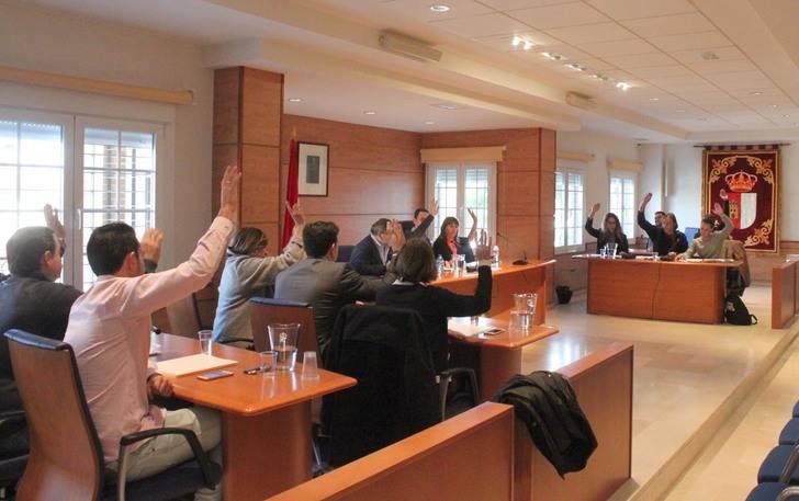 Los grupos municipales de Cabanillas pactan una moción institucional para pedir mejoras en el transporte interurbano del Plan Astra