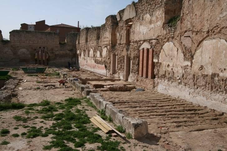 El Ayuntamiento saca a licitación la redacción del proyecto para la restauración de la muralla y los muros del Alcázar Real