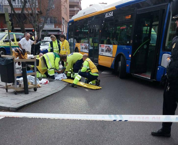 Un autobús urbano atropella a una mujer de 89 años en las calles de Guadalajara