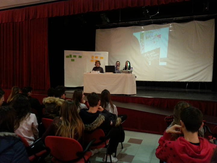 En Alovera aprenden a prevenir el acoso escolar, el 'sexting' y el 'grooming'