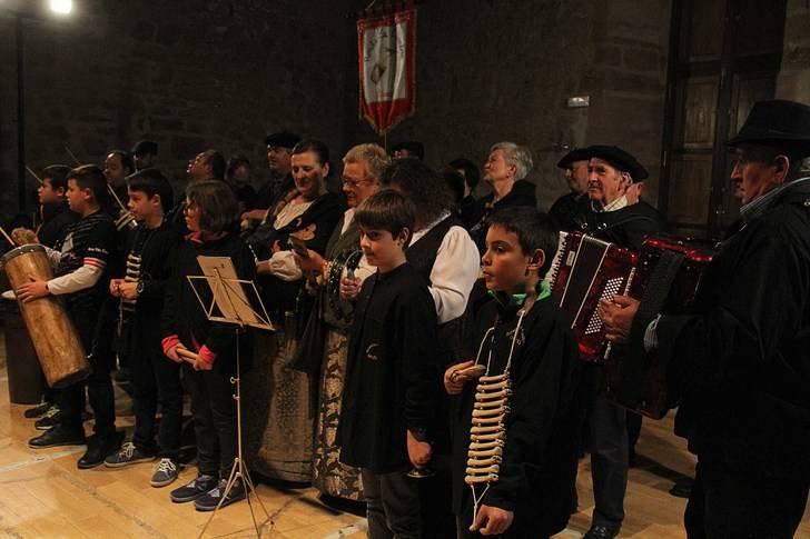 Villancicos de toda Guadalajara de dan la bienvenida a la Navidad en Sigüenza