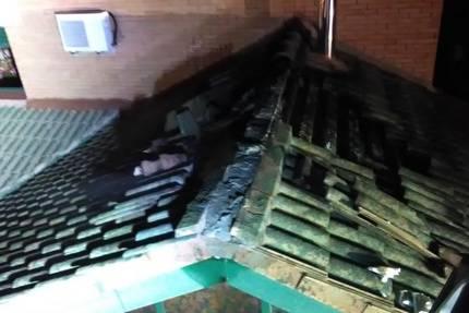 Una mujer y tres niños intoxicados por el incendio de una chimenea en una vivienda en Alovera
