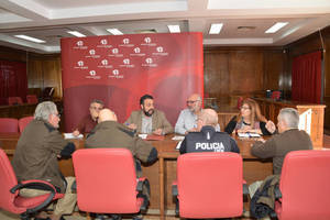 Un momento de la reunión presidida por el alcalde para abordar los detalles del dispositivo. Fotografía: Álvaro Díaz Villamil/ Ayuntamiento de Azuqueca de Henares
