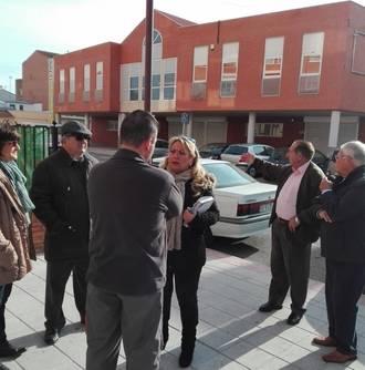 """Vecinos de Azuqueca reclaman que el alcalde subsane """"las carencias que dificultan la vida cotidiana en los barrios"""""""