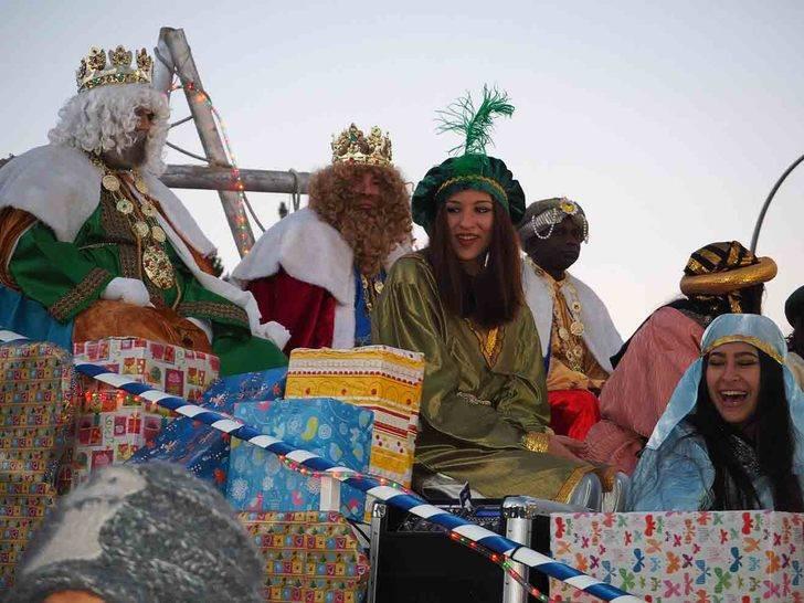 Los Magos de Oriente traen ilusión y regalos a niños y mayores en SIgüenza