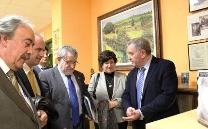 El consejero de Cultura visita la Fundación Siglo Futuro en Guadalajara