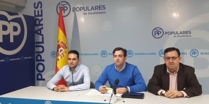 El PP denuncia el mantenimiento de los 'tijeretazos' que los socialistas dieron en Cabanillas a los servicios sociales y a las inversiones