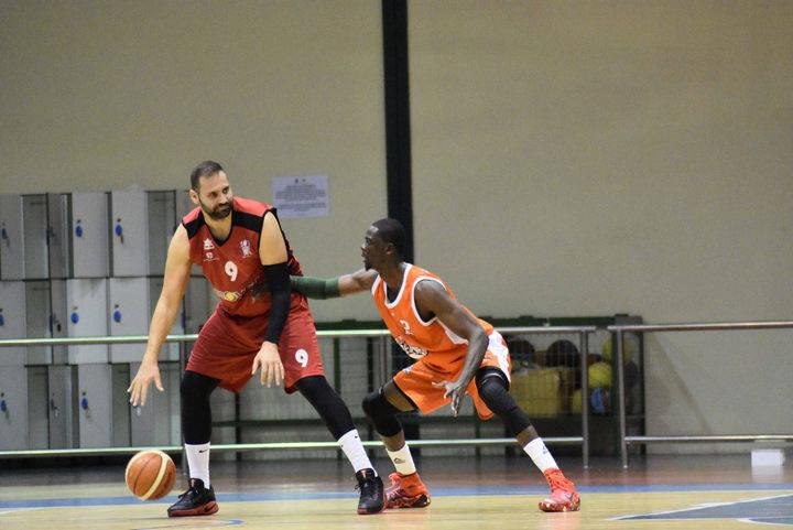 El Isover Basket Azuqueca quiere alargar la racha frente al Alcobendas