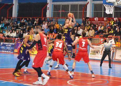 Injusta y dolorosa derrota del Isover Basket Azuqueca frente al Quintanar