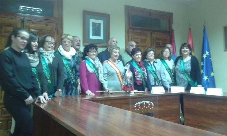 Teresa Gregorio recoge el Bastón de Mando, las mujeres de Santa Agueda ya mandan en Jadraque