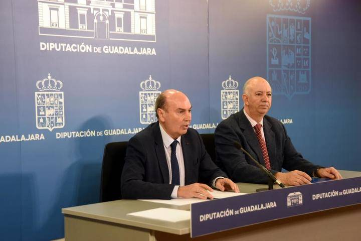 Latre pone al serivico de los ayuntamientos la Diputación para que cumplan la Ley de Transparencia