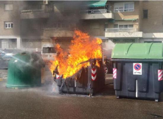 Identificados los dos autores que se han dedicado a quemar contenedores por las calles de Guadalajara