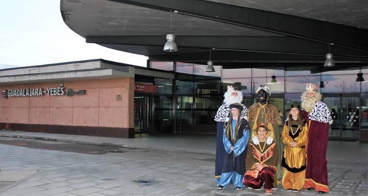 Por sexto año consecutivo, los Reyes Magos llegan en AVE a Valdeluz