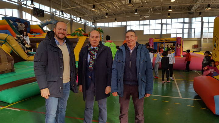 """Centenares de jóvenes participan en la """"Naviguad"""" de Sigüenza"""
