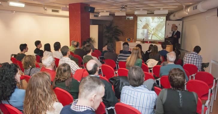 Comienzo del X Ciclo de los Jueves de la Ciencia UNED Guadalajara