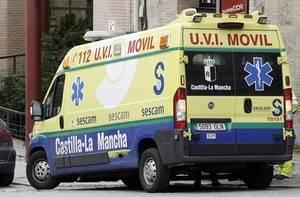 Atropellan a un trabajador de Obras Públicas cuando trabajaba tras un accidente de un camión en la zona.