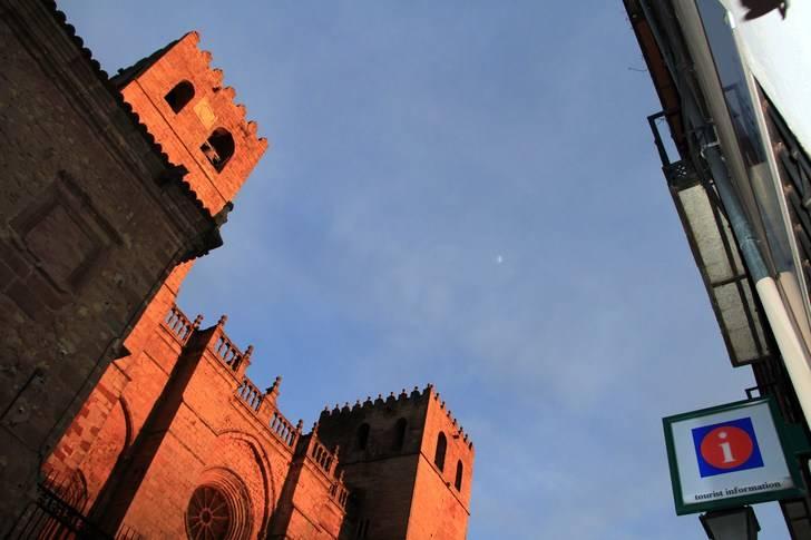 Casi dos millones de turistas han pasado por Sigüenza desde 1996