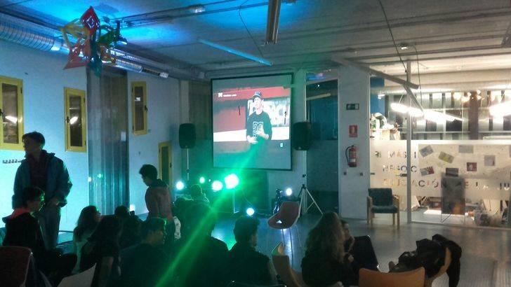 """El Ayuntamiento de Cabanillas """"pone guapo"""" el Centro Joven, en su fiesta por el sexto aniversario"""