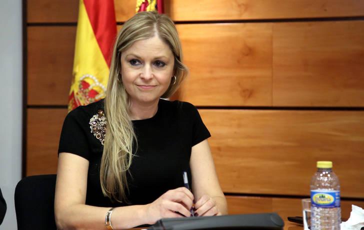 Ingresan con pronóstico muy grave a Elena de la Cruz, consejera de Fomento