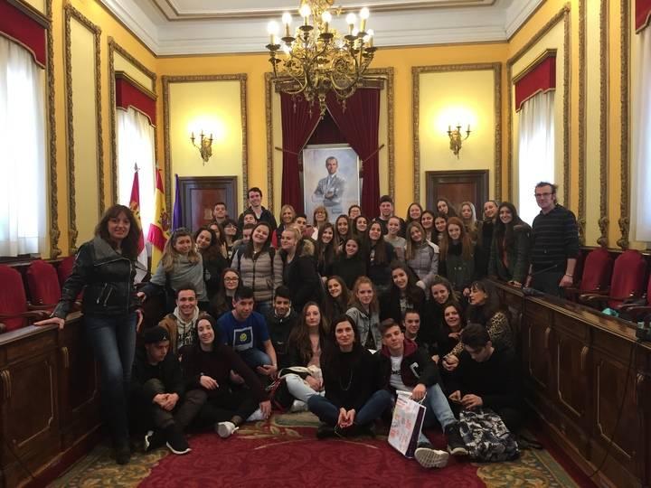 Estudiantes italianos visitan el Ayuntamiento de Guadalajara