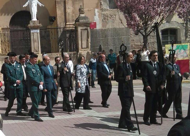 Sánchez-Seco asiste a la procesión de la Hermandad de Nuestra Señora de la Soledad en Molina de Aragón
