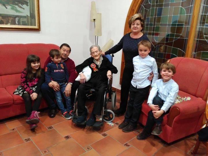 Doña Petra Terrel de Sigüenza cumple cien años