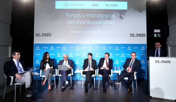 """El alcalde de Guadalajara participa en el foro """"Retos y estrategias del municipalismo"""" organizado por"""