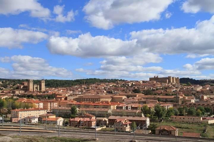 Ya es oficial : Sigüenza ya es Capital del Turismo Rural 2017
